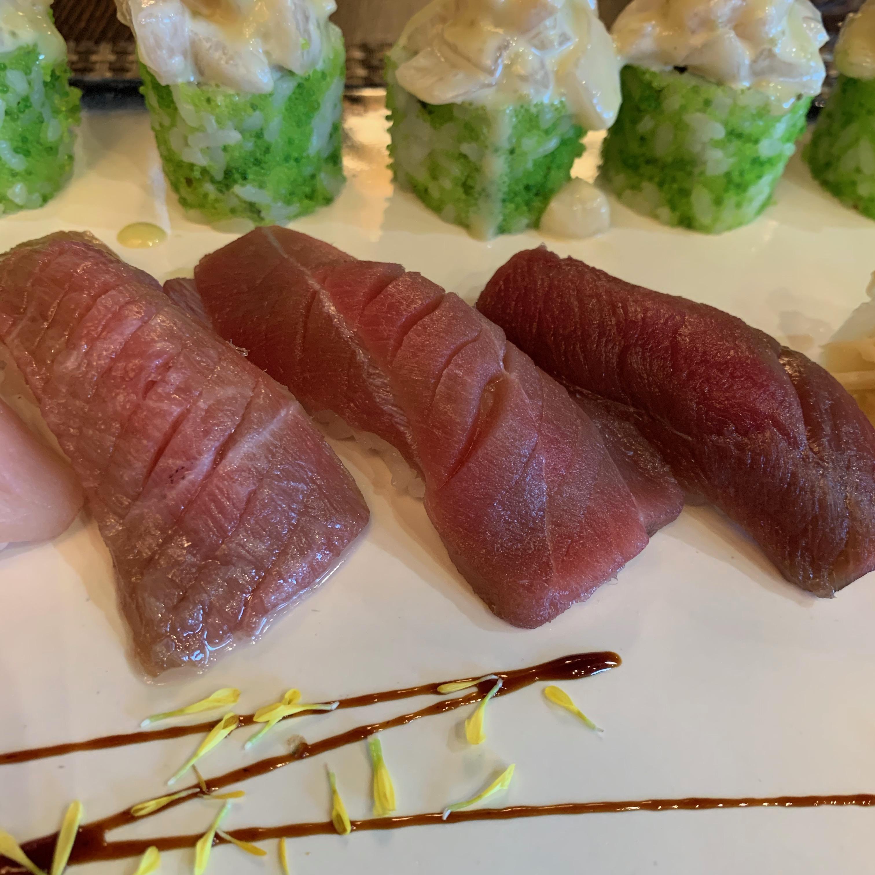 Суши Тунец Bluefin Чу-торо - 1 шт.